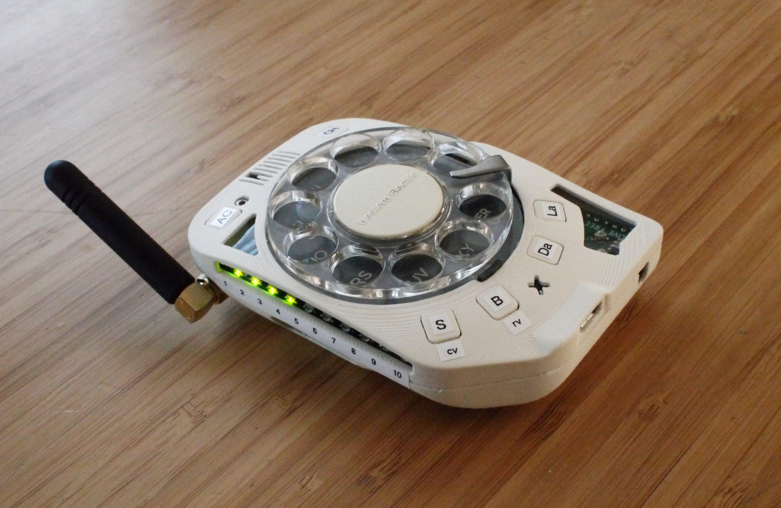 Привет из прошлого: мобильный телефон с дисковым набором