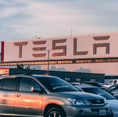Выяснилось, что автопилот машины Tesla стал одной из причин смертельной аварии в 2018 году