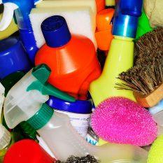 Как правильно очистить и продезинфицировать свои вещи и дом