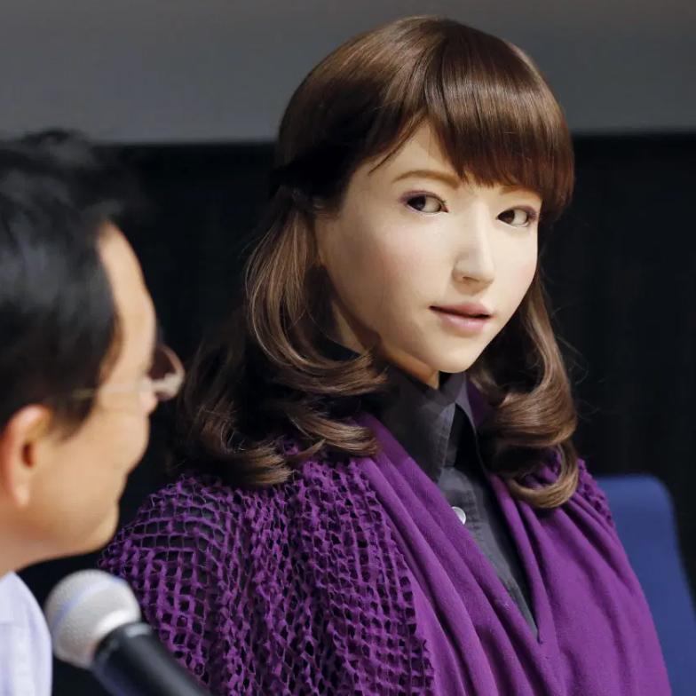 Главная роль в китайском фильме досталась андроиду