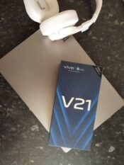 Vivo V21 — телефон для цифрового творчества